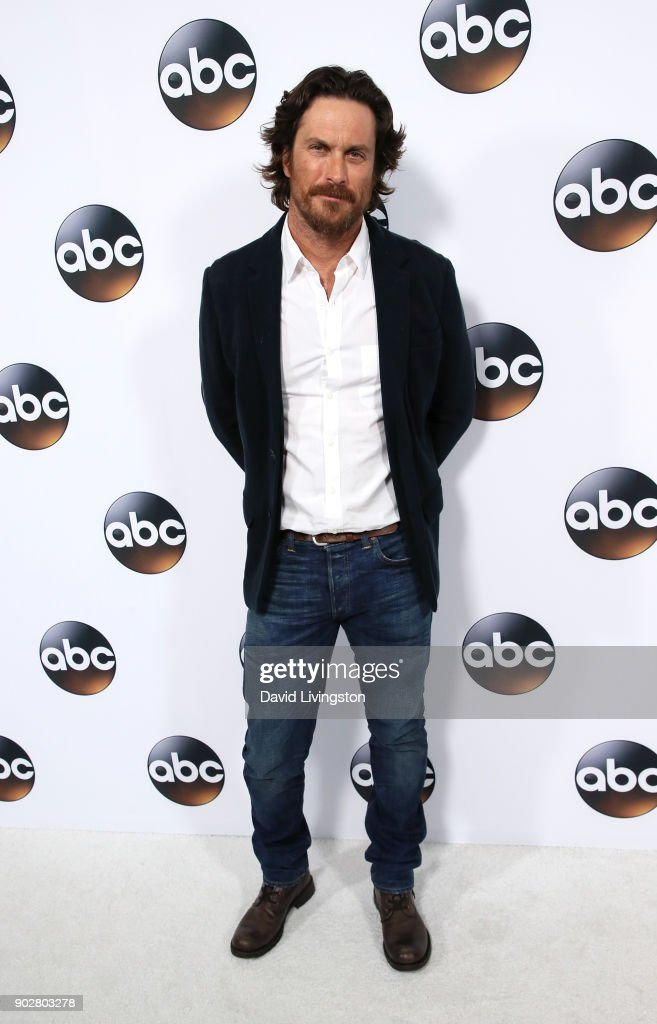 Actor Oliver Hudson attends Disney ABC Television Group's TCA Winter Press Tour 2018 at The Langham Huntington, Pasadena on January 8, 2018 in Pasadena, California.