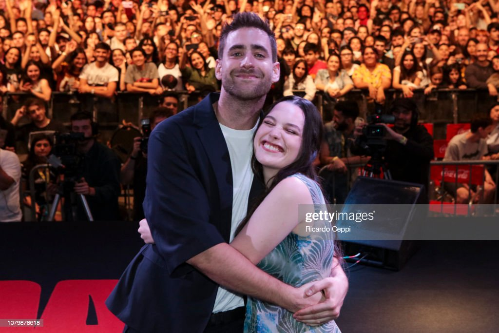 Actor Oliver Jackson Cohen And Actress Victoria Pedretti Pose As Part News Photo Getty Images