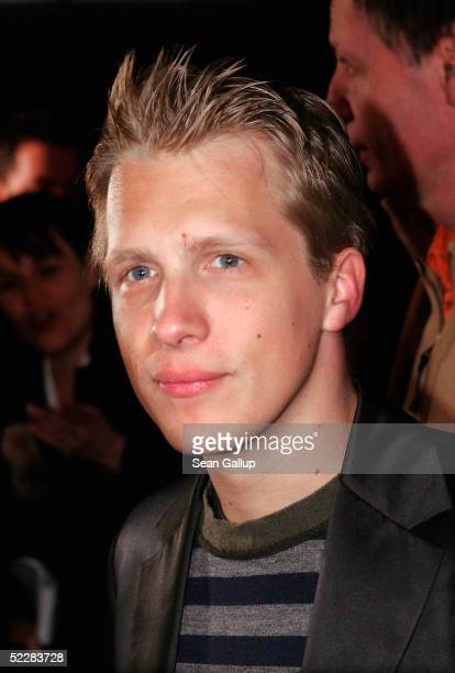 """Actor Oliver Pocher attends the German premiere of """"Racing Stripes"""" on March 6, 2005 in Berlin, Germany."""