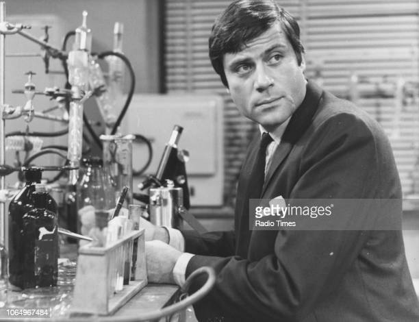 Actor Oliver Reed pictured in a science laboratory, circa 1965.