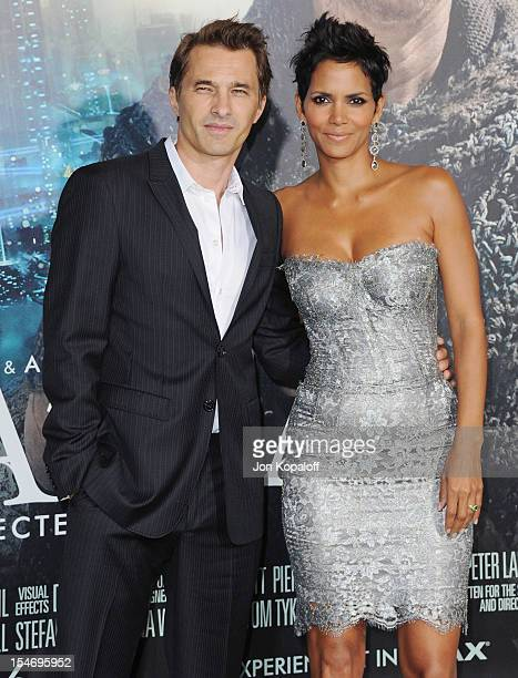"""Actor Olivier Martinez and actress Halle Berry arrive at the Los Angeles Premiere """"Cloud Atlas"""" at Grauman's Chinese Theatre on October 24, 2012 in..."""