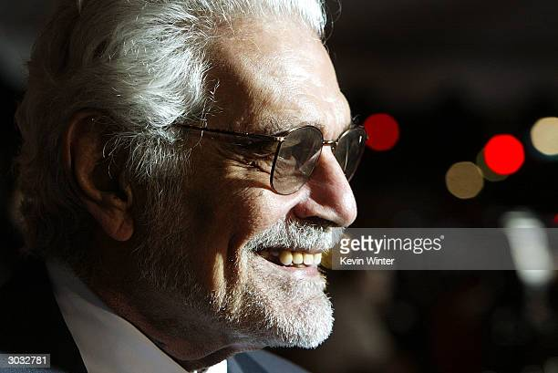 """Actor Omar Sharif arrives at the premiere of Touchstone's """"Hildago"""" at the El Capitan Theatre on March 1, 2004 in Los Angeles, California."""