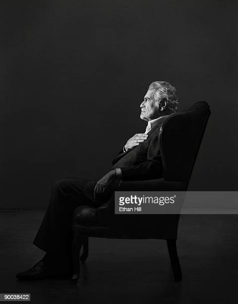 Actor Omar Sharif poses at a portrait session for Entertainment Weekly Magazine in Los Angeles 2004