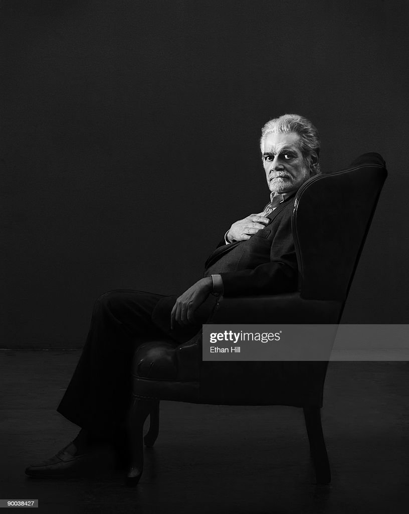 Actor Omar Sharif poses at a portrait session for Entertainment Weekly Magazine in Los Angeles, 2004.