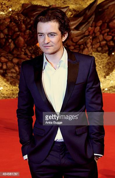 """Actor Orlando Bloom attends the """"The Hobbit: The Desolation of Smaug"""" European Premiere at Cinestar on December 9, 2013 in Berlin, Germany."""