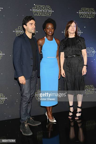 """Actor Oscar Isaac, actress Lupita Nyong'o and producer Kathleen Kennedy attend the """"Star Wars: The Force Awakens"""" Mexico City photo call at St Regis..."""