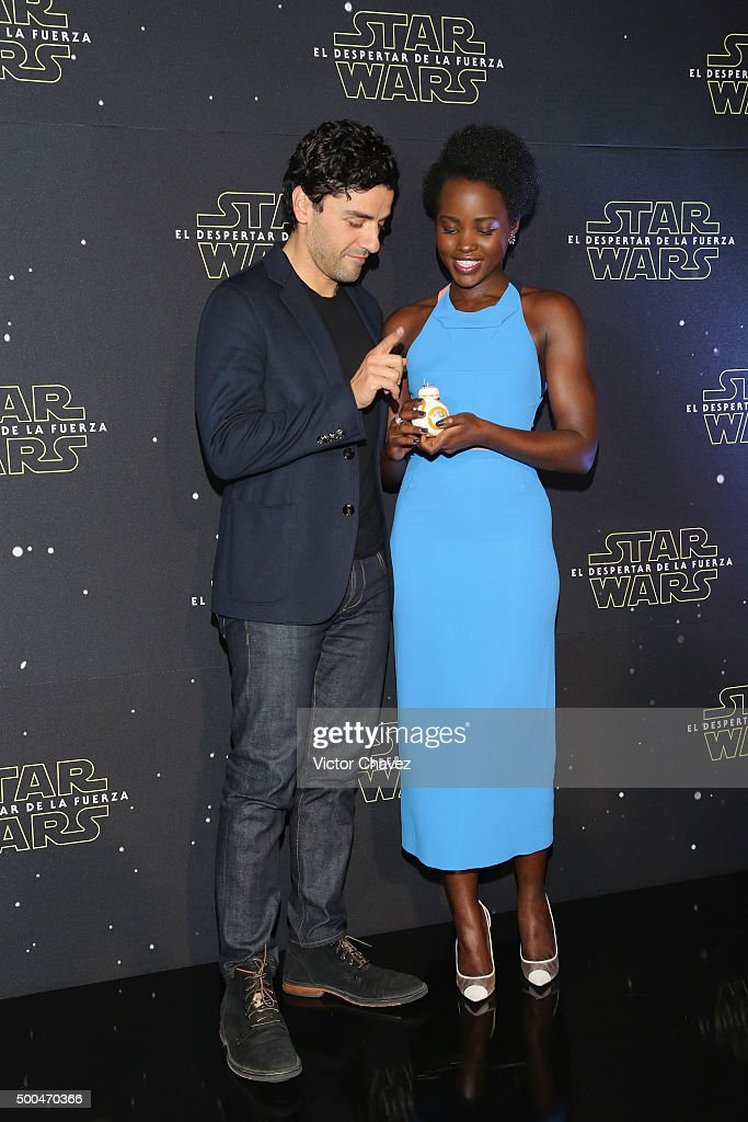 Actor Oscar Isaac and actress Lupita Nyong'o attend the 'Star Wars: The Force Awakens' Mexico City photo call at St Regis Hotel on December 8, 2015 in Mexico City, Mexico.