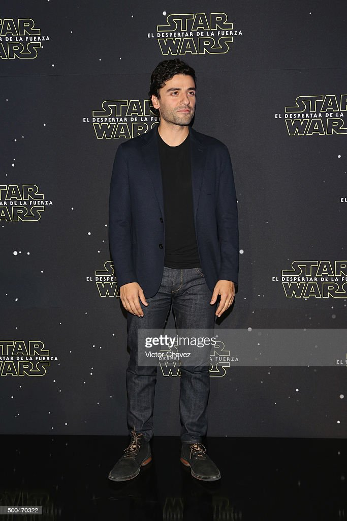 Actor Oscar Isaac attends the 'Star Wars: The Force Awakens' Mexico City photo call at St Regis Hotel on December 8, 2015 in Mexico City, Mexico.