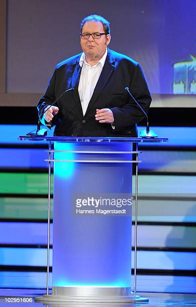 Actor Ottfried Fischer speaks during the Bavarian Sport Award 2010 at the International Congress Center Munich on July 17 2010 in Munich Germany