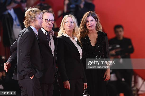Actor Owen Wilson director Peter Bogdanovich screenplay Louise Stratten and actress Kathryn Hahn attend the 'She's Funny That Way' Premiere during...