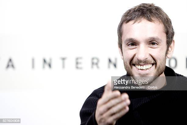 Actor Pablo Derqui attends a photocall for the promotion of the movie Barcelona o Mapa during the 2007 Rome Film Festival