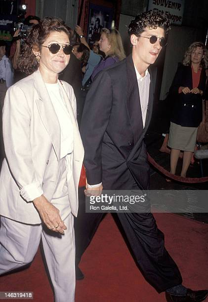 Actor Patrick Dempsey and wife Rocky Parker attend the Pump Up the Volume Hollywood Premiere on August 16 1990 at the Mann's Chinese Theatre in...