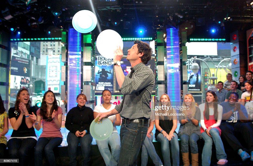"""Patrick Dempsey, Michelle Monaghan, T-Pain and Lil Mama Visit MTV's """"TRL"""" - April 28, 2008 : Fotografía de noticias"""