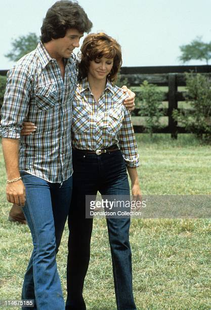Actor Patrick Duffy and actress Victoria Principal pose for a portrait in 1979 in Los Angeles California