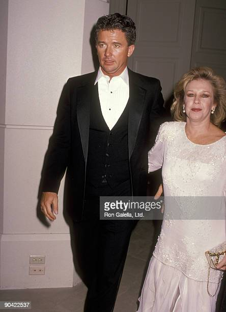 Actor Patrick Duffy and wife Carlyn Rosser attend the National Jewish Fund Dinner on November 29 1989 at Beverly Hilton Hotel in Beverly Hills...