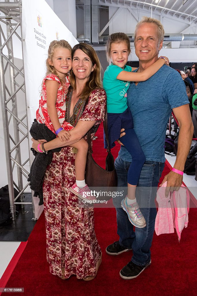 Elizabeth Glaser Pediatric AIDS Foundation's 27th Annual A Time For Heroes - Arrivals : News Photo