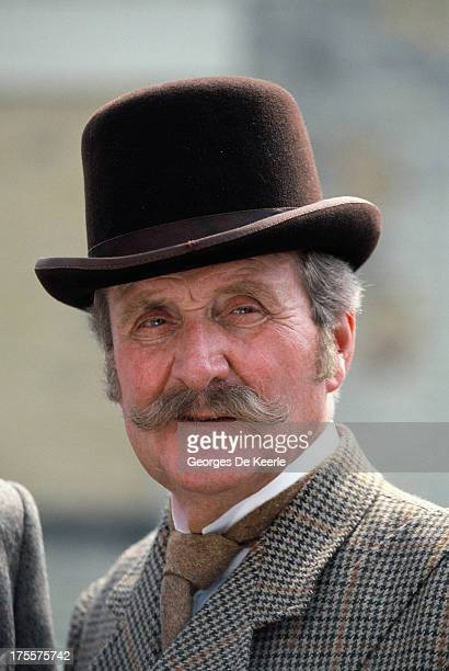 Actor Patrick Macnee poses on a shoot for the TV movie 'Sherlock Holmes and the Leading Lady', in which he interprets Dr. Watson, on 1991 ca. In...
