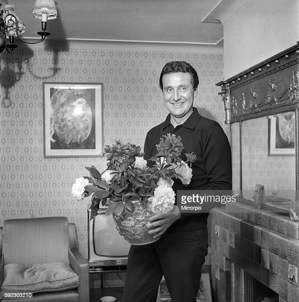 Actor Patrick McNee seen here at home 1960 A999008