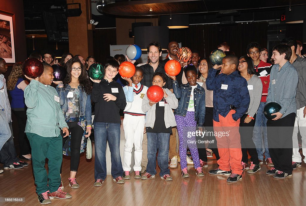 Actor Paul Rudd (C) attends the Paul Rudd 2nd Annual All-Star Bowling Benefit supporting Our Time at Lucky Strike on October 21, 2013 in New York City.