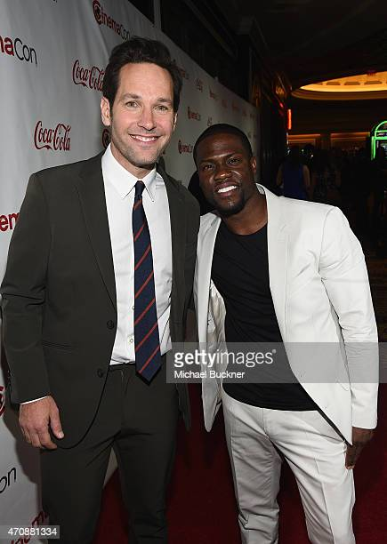 Actor Paul Rudd recipient of the Male Star of the Year Award and actor/comedian Kevin Hart recipient of the Comedy Star of the Year Award attend The...