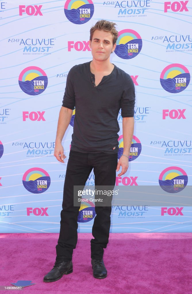 Actor Paul Wesley arrives at the 2012 Teen Choice Awards at Gibson Amphitheatre on July 22, 2012 in Universal City, California.