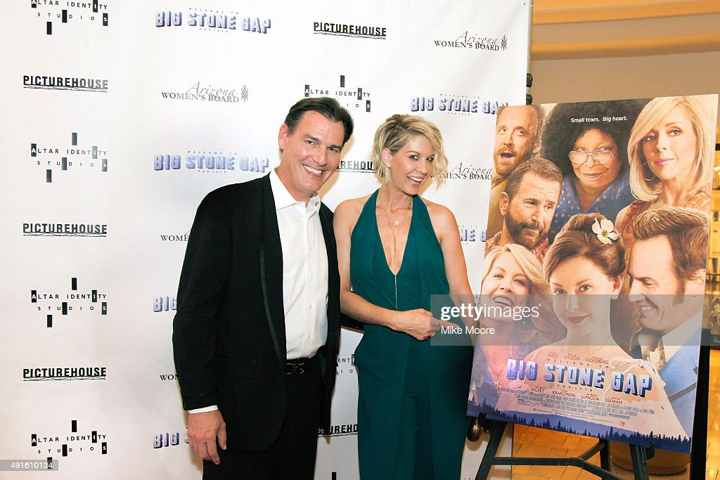 Actor Paul Wilson And Actress Jenna Elfman Attend Picturehouses Red Carpet Event At The Big