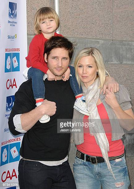 Actor Peter Facinelli actress Jennie Garth and daughter Fiona Eve Facinelli attend the 1st annual Milk Bookies Story Time Celebration at Skirball...