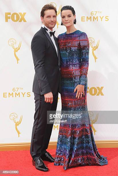 Actor Peter Facinelli and actress Jaimie Alexander arrive at the 67th Annual Primetime Emmy Awards at Microsoft Theater on September 20, 2015 in Los...