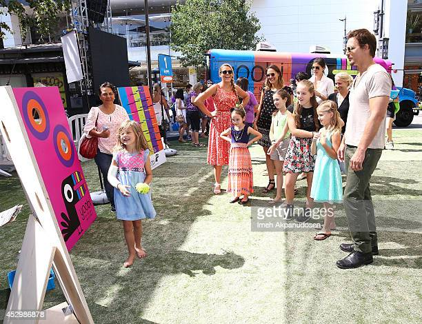 Actor Peter Facinelli and his daughters Fiona Eve Facinelli and Lola Ray Facinelli with actress Busy Philipps and her daughters Birdie Silverstein...