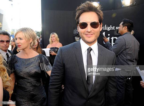 Actor Peter Facinelli and wife Jennie Garth arrive at the premiere of Summit Entertainment's 'The Twilight Saga Eclipse' during the 2010 Los Angeles...