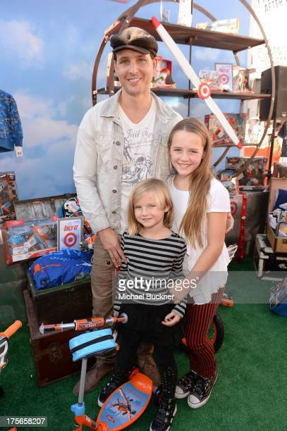 """Actor Peter Facinelli daughters Lola Ray Facinelli and Fiona Eve Facinelli attend the worldpremiere of """"Disney's Planes"""" presented by Target at the..."""