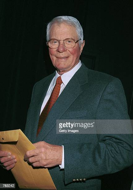 Actor Peter Graves attends the Pacific Pioneer Broadcasters Awards Luncheon honoring actress Beverly Garland January 19 2001 in Los Angeles CA Los...