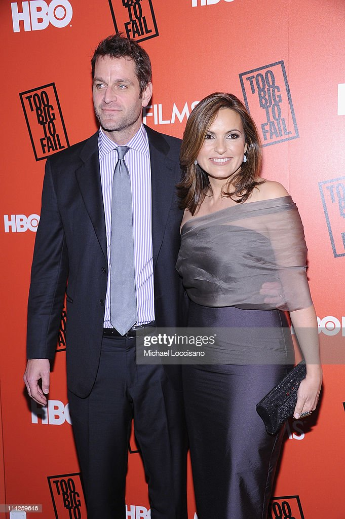 Actor Peter Hermann and wife, actress Mariska Hargitay attend the 'Too Big To Fail' New York Premiere at The Museum of Modern Art on May 16, 2011 in New York City.
