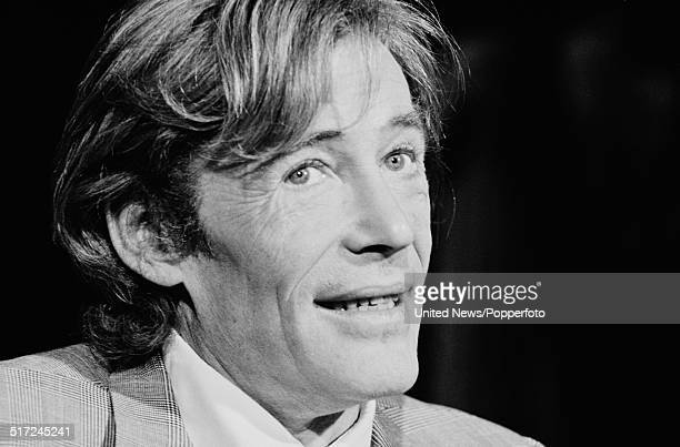 Actor Peter O'Toole pictured with the cast of Macbeth at the Old Vic Theatre in London on 19th August 1980.
