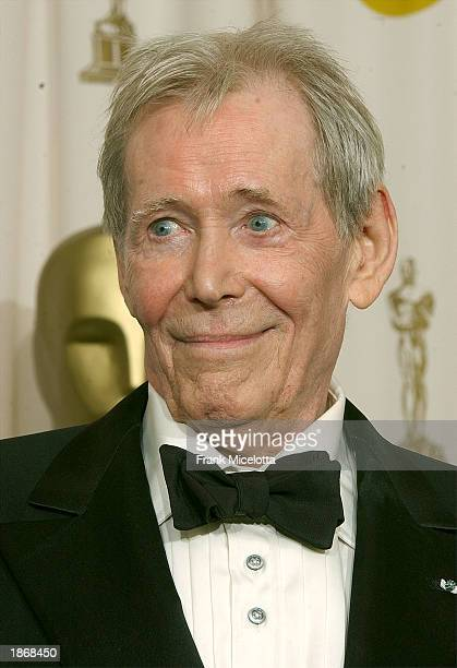 Actor Peter O'Toole poses backstage after receiving an honorary Oscar during the 75th Annual Academy Awards at the Kodak Theater on March 23, 2003 in...