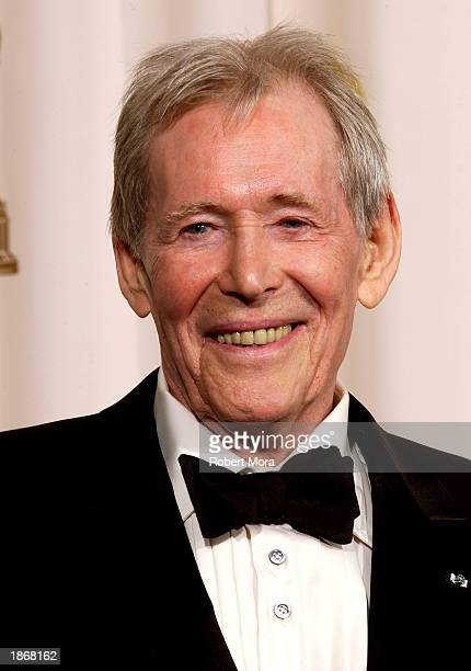 Actor Peter O'Toole poses backstage during the 75th Annual Academy Awards at the Kodak Theater on March 23, 2003 in Hollywood, California.