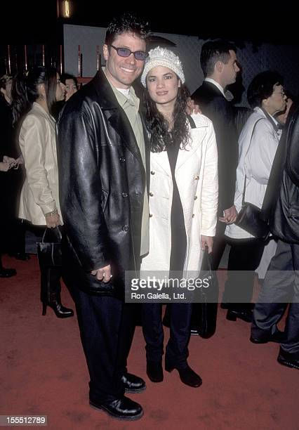 Actor Peter Reckell and wife Kelly Moneymaker attend the EDtv Universal City Premiere on March 16 1999 at Universal Amphitheatre in Universal City...