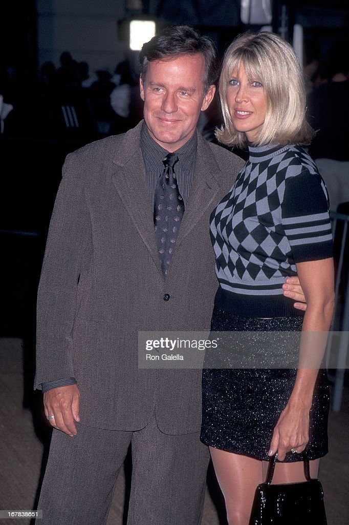 """First Annual """"Tribute to Style"""" Celebration to Benefit the Permanet Charities of the Entertainment Industry : News Photo"""