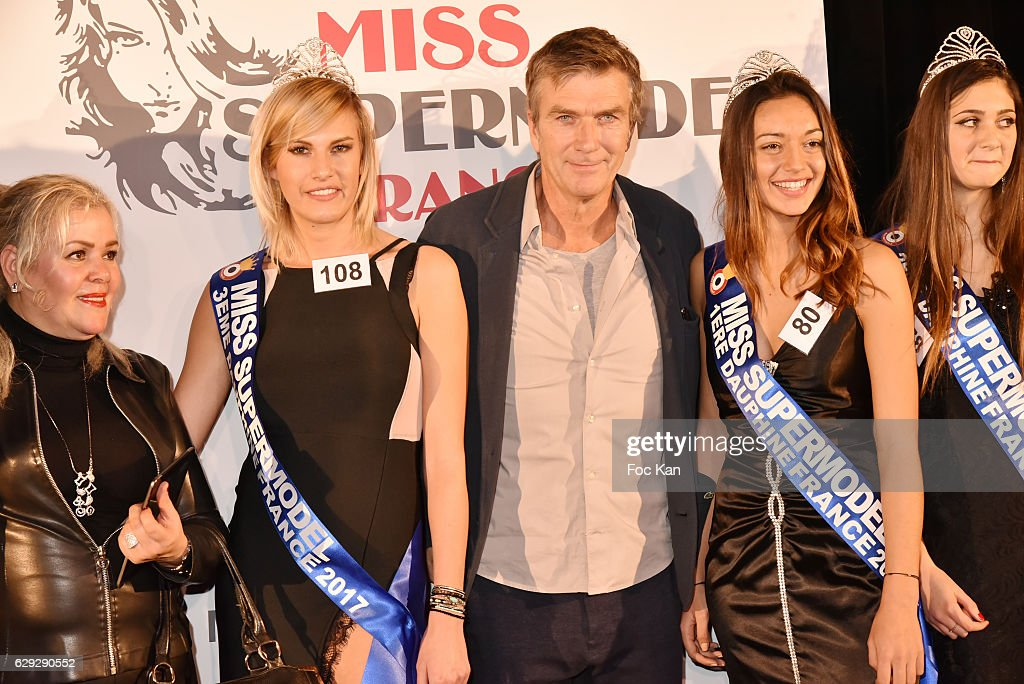 """Supermodel France 2017"" and ""Miss Petite France 2017"" : Election Ceremony Hosted by ""Comite Miss Nationale"" In Paris : Nachrichtenfoto"