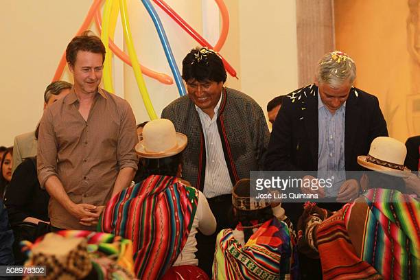 Actor producer and director Edward Norton President of Bolivia Evo Morales and Vicepresident of Bolivia Alvaro Garcia Linera smile during a folkloric...