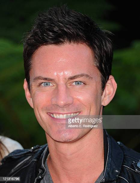 "Actor R. Brandon Johnson arrives to a screening of Dreamworks Pictures' ""Fright Night"" on August 17, 2011 in Hollywood, California."