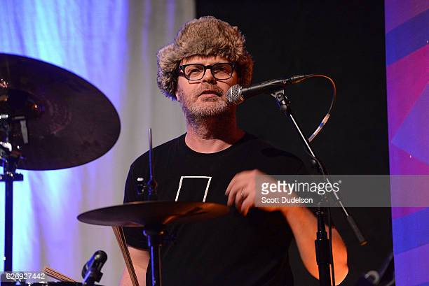 Actor Rainn Wilson performs onstage during Creed Bratton's benefit concert for Lide Haiti at the Regent Theater DTLA on November 30 2016 in Los...