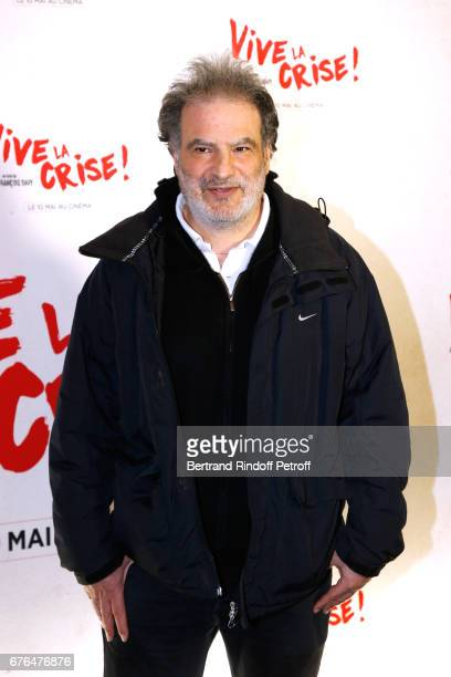 Actor Raphael Mezrahi attends the 'Vive la Crise' Paris Premiere at Cinema Max Linder on May 2 2017 in Paris France