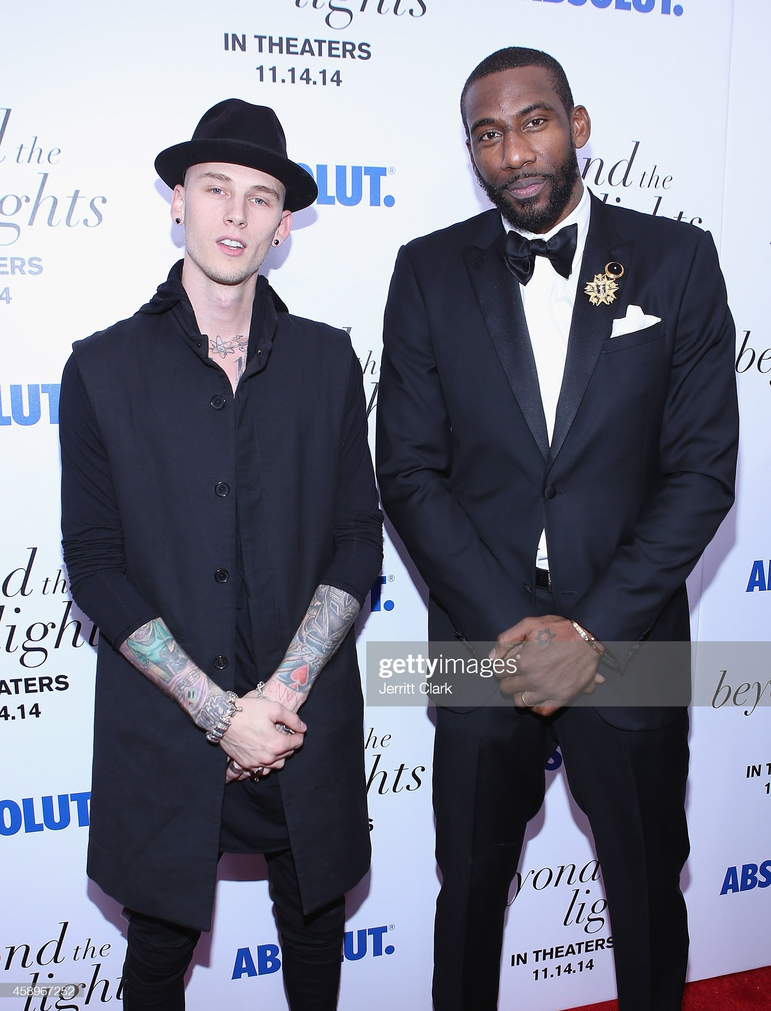 ¿Cuánto mide Machine Gun Kelly? (MGK) - Altura - Real height Actor-rapper-machine-gun-kelly-and-producer-nba-player-amare-attends-picture-id458967252?s=2048x2048