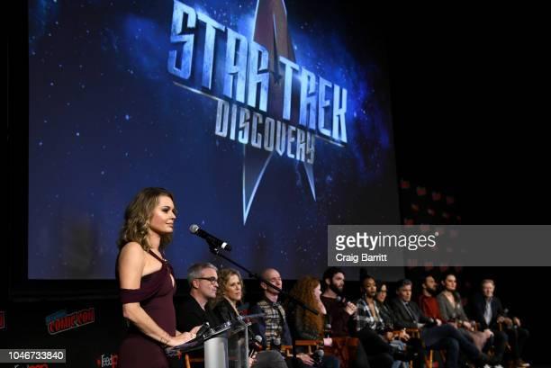 Actor Rebecca Romijn Cocreator/Executive producer Alex Kurtzman producer Heather Kadin actors Doug Jones Mary Wiseman Ethan Peck Sonequa MartinGreen...