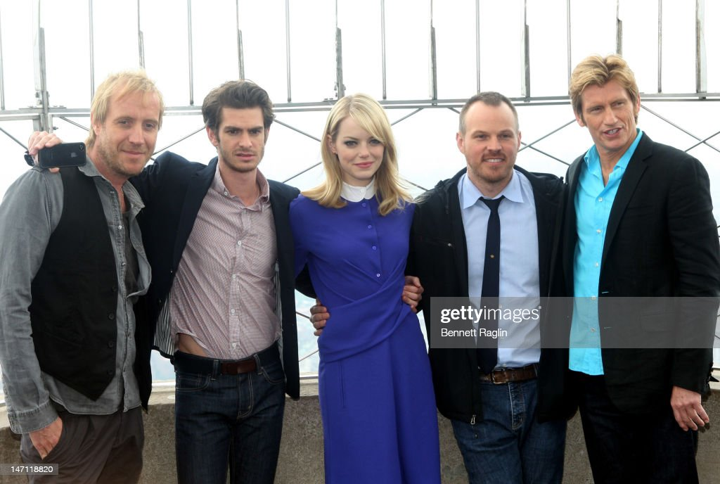"Cast Of ""The Amazing Spider-Man"" Lights The Empire State Building"