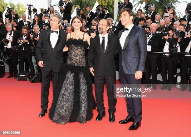 Actor Ricardo Darin actress Penelope Cruz wearing jewels by Atelier Swarovski Fine Jewelry director Asghar Farhadi and actor Javier Bardem attend the...
