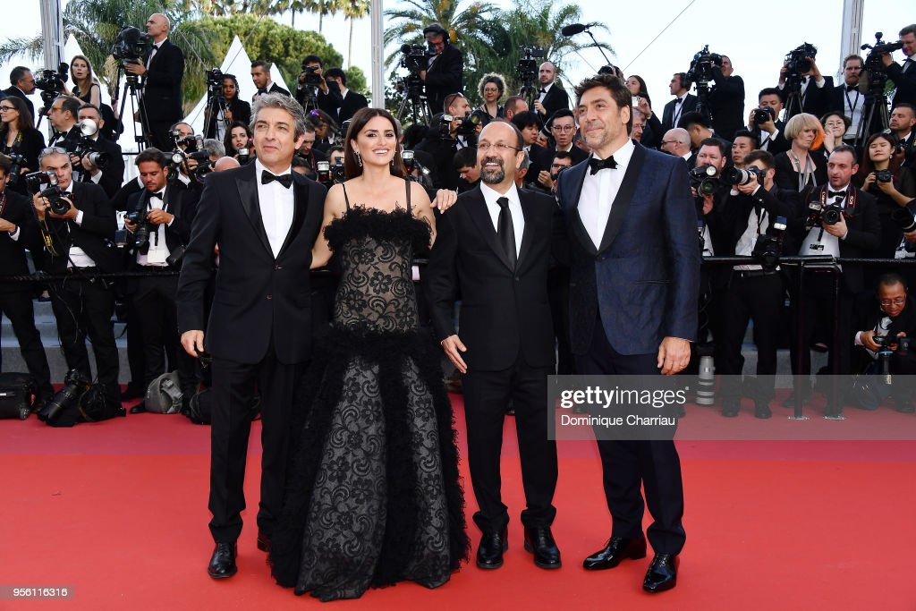 Actor Ricardo Darin, actress Penelope Cruz, wearing jewels by Atelier Swarovski Fine Jewelry, director Asghar Farhadi and actor Javier Bardem attend the screening of 'Everybody Knows (Todos Lo Saben)' and the opening gala during the 71st annual Cannes Film Festival at Palais des Festivals on May 8, 2018 in Cannes, France.