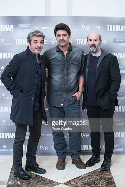 Actor Ricardo Darin director Cesc Gay and actor Javier Camara attend the 'Truman' photocall at Palacio de Tepa Hotel on October 26 2015 in Madrid...