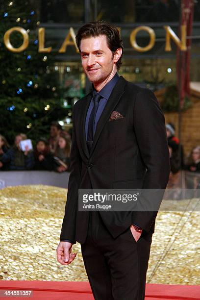 """Actor Richard Armitage attends the """"The Hobbit: The Desolation of Smaug"""" European Premiere at Cinestar on December 9, 2013 in Berlin, Germany."""